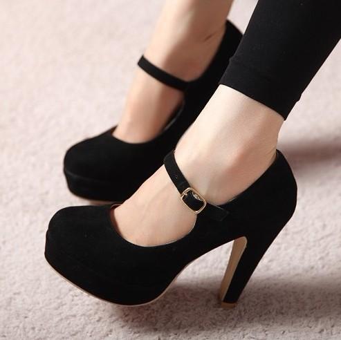 کفش پاشنه دار ساده