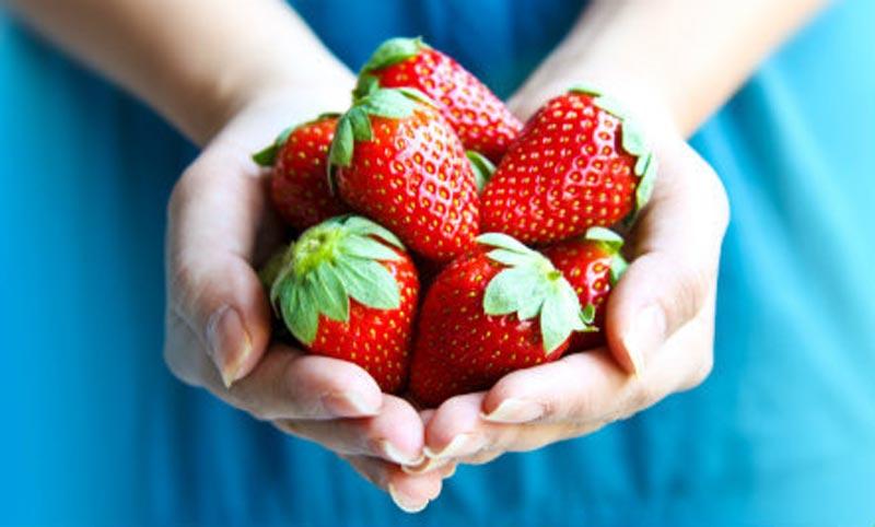خواص توت فرنگی ملکه میوه ها